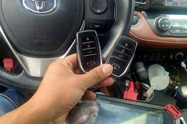 我们在接受配汽车钥匙培训的时候要注意什么